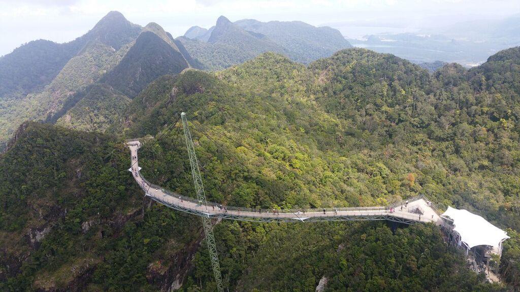 Der Weg zur Marina in Malaysia ist fast wie der Schotterweg am Ryck entlang.