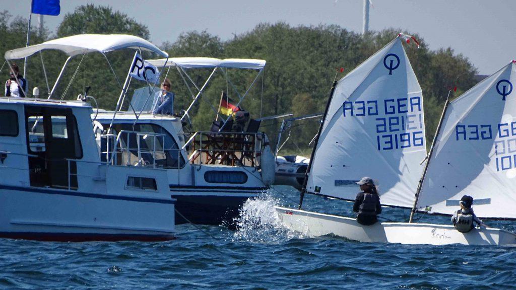 Juli Bollmann gewinnt beim Plauer Opti Cup 2016.